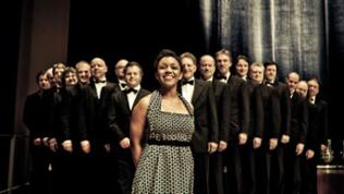 "Die SWR Big Band SWR Big Band auf ""Kings of Swing"" - Tour mit Fola Dada"