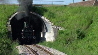 Lokomotive in einem Tunnel