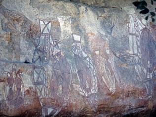 Jüngere Beispiele von Felsenmalerei zeugen vom Kontakt mit anderen Kulturen.