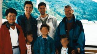 Familienfoto der Schemmers: Henrike Schemmer mit Ehemann, Kindern und Schwiegereltern (Foto: SWR)