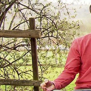 Markus Buchholz beim Meditieren (Foto: SWR, SWR -)