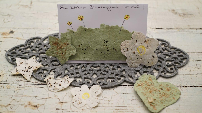 Handgeschöpftes Papier mit Blumensamen