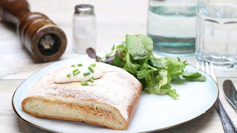 Gefülltes Brot mit Schinken und Schmand (Foto: SWR, SWR -)
