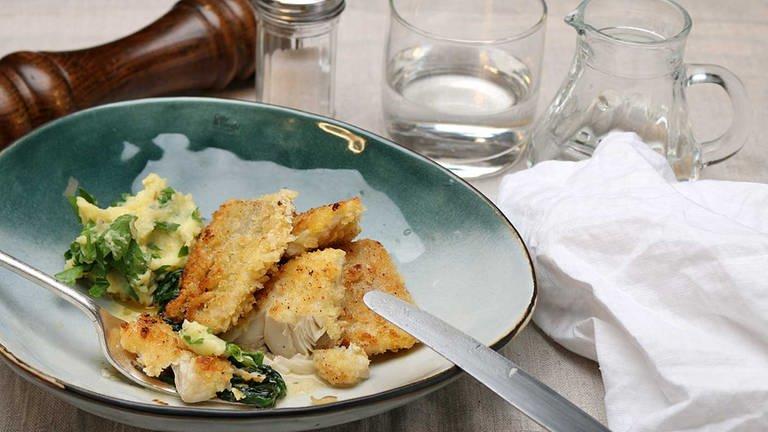 Forellen-Fischstäbchen mit Rahmspinat und Kartoffelstampf (Foto: SWR, SWR -)