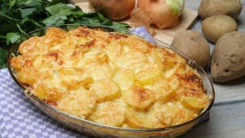 Kartoffelauflauf mit Lyoner (Foto: SWR, SWR -)