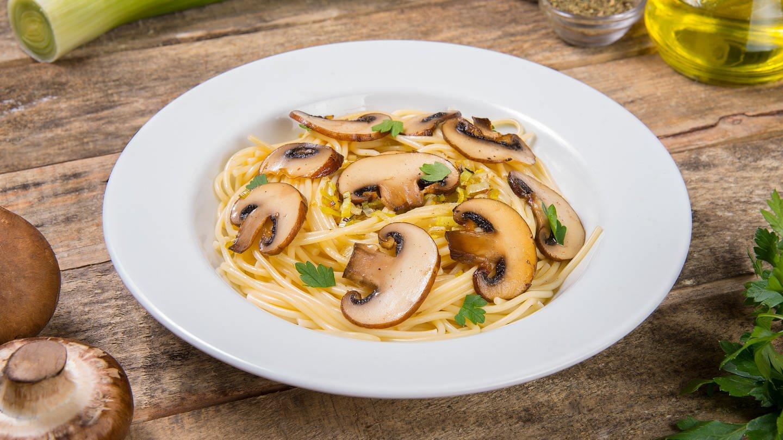 Champignons mit Spaghetti (Foto: Colourbox)