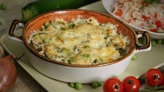 Überbackene Zucchini-Lachsröllchen (Foto: SWR)