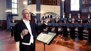 Dirigent Marcus Creed und das SWR Vokalensemble Stuttgart (Foto: SWR, SWR Vokalensemble Stuttgart - Manuel Wagner)