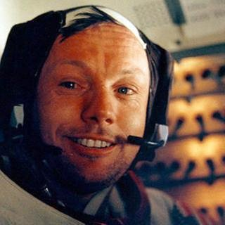 "Apollo 11-Astronaut Neil Armstrong nach seinem historischen Spaziergang auf dem Mond; hier in der Landefähre ""Eagle"" (Foto: picture-alliance / dpa, picture-alliance / dpa -)"