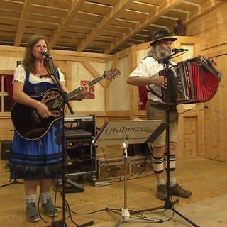 Im Alb-Stadl in Enstingen kommen Volksmusikliebhaber voll auf ihre Kosten (Foto: SWR)