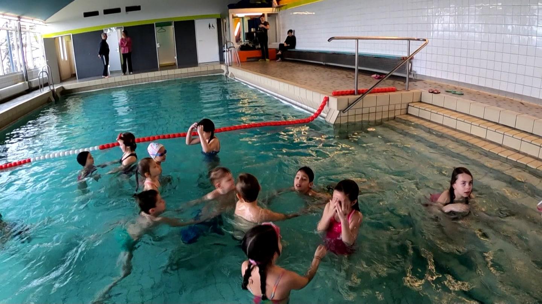 Das kleine Schwimmbad von Bötlingen (Foto: SWR)
