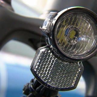 Eine Fahrradbeleuchtung ist gerade in den dunklen Abend- und Morgenstunden wichtig. (Foto: SWR)