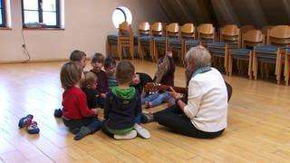 Kindergruppe in einer Musikschule (Foto: SWR)