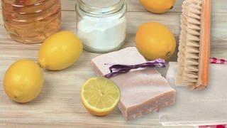 Öko-Putzmittel für alle Fälle: Zitronensäure, Essigsäute, Kernseife (Foto: SWR)