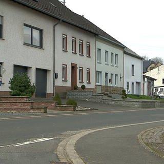Hierzuland-Schild für Röhl (Foto: SWR)