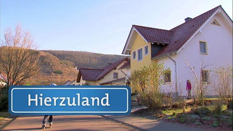 Die Gemeinde an der unteren Saar hat viel von dem, was ein Dorf heute attraktiv macht. Wir wagen uns ins Neubaugebiet, das nach einem alten Flurnamen für das lehmige Ackerland, das dort einst zu finde (…)