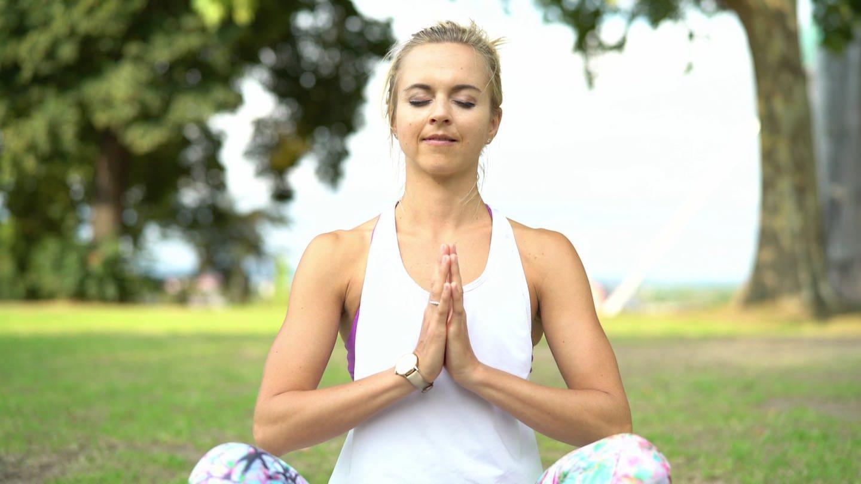 Frau beim Yoga (Foto: SWR, SWR -)
