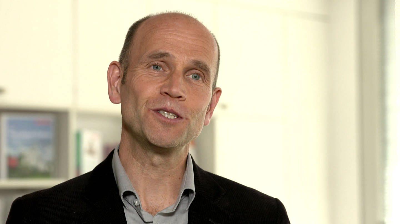 Armin Valet von der Verbraucherzentrale Hamburg: Er beschäftigt sich seit Jahren mit Mogelpackungen