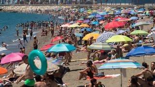 Viele Deutsche machen gerne an den Stränden in Spanien Urlaub. (Foto: dpa Bildfunk, picture alliance/dpa/SOPA Images via ZUMA Wire   Jesus Merida)