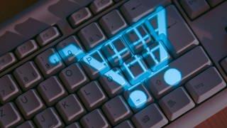 Kriminelle versuchen mit Fake-Shops, Verbraucher beim Online-Kauf zu täuschen. (Foto: dpa Bildfunk, picture alliance/Jens Büttner/dpa)