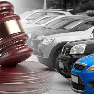 Autos und ein Auktionshammer (Foto: Getty Images, Thinkstock -)