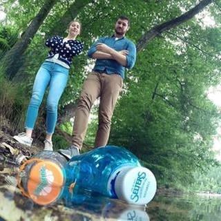 Zwei Menschen an einem See. (Foto: SWR, SWR -)